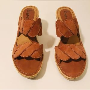 B.O.C Tan Leather Wedges 8